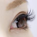 花粉症で目の痛み!?病気?危険!緑内障と頭痛のリスク!?